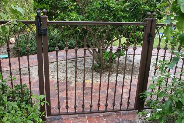 FENCE WELDED 12