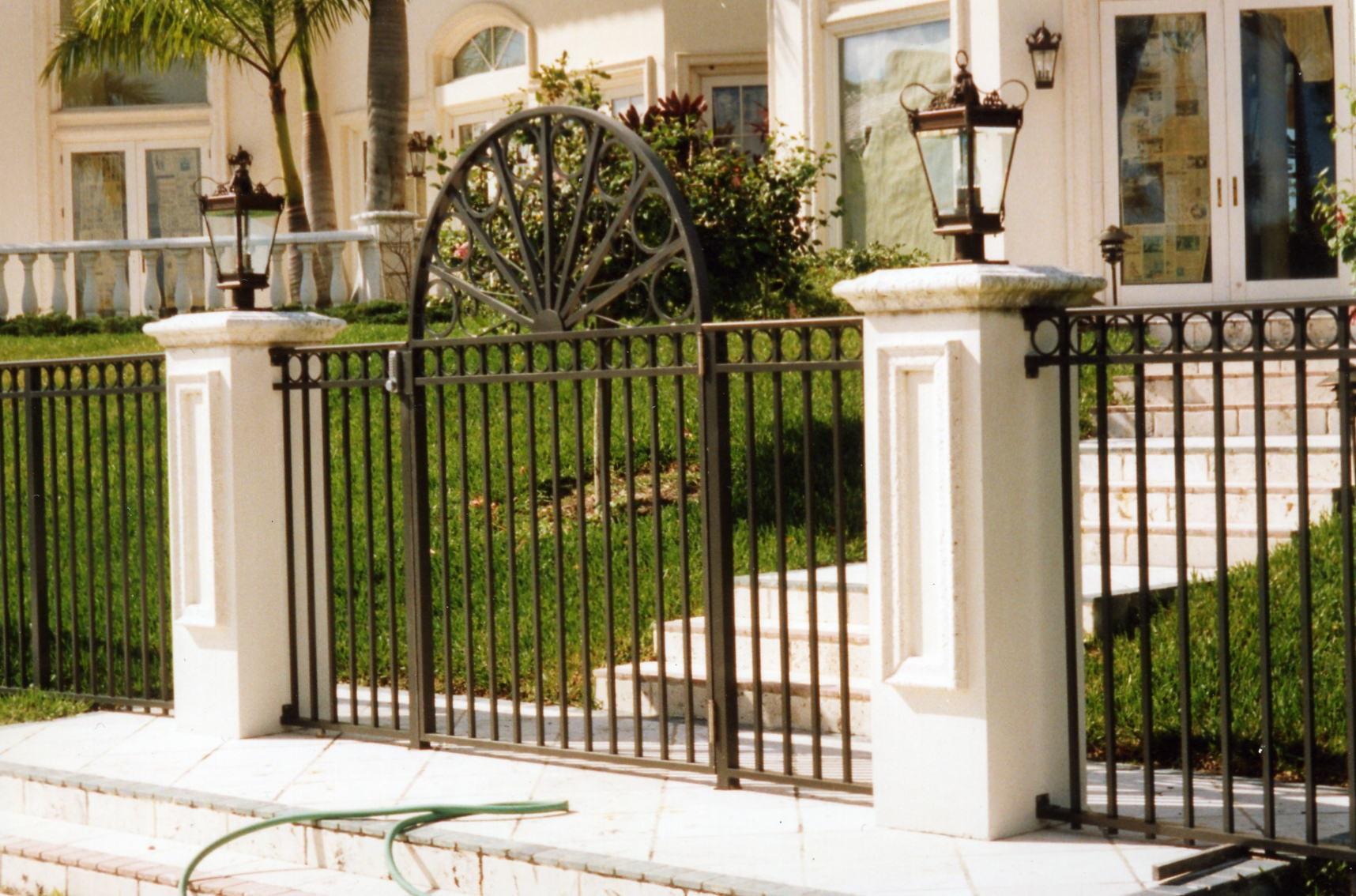 WELDED FENCE 23