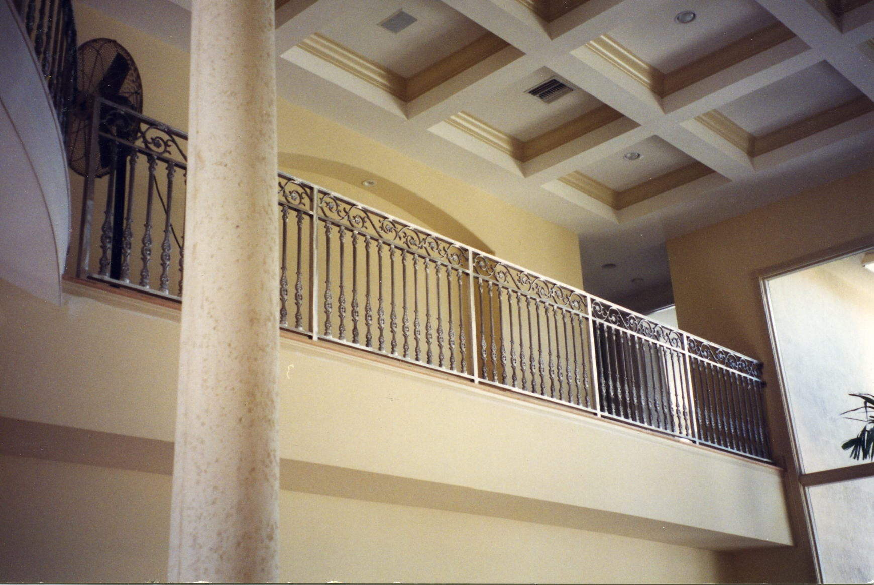 Interior balcony railings allied aluminum for Inside balcony railing